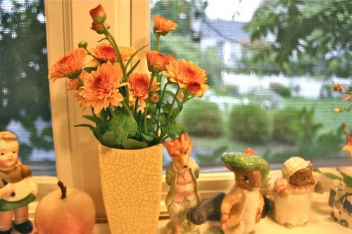 little orange bouquets