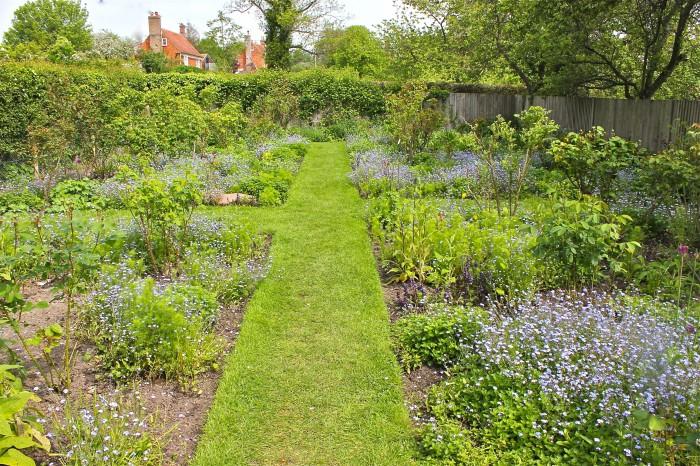 ellen terry's garden